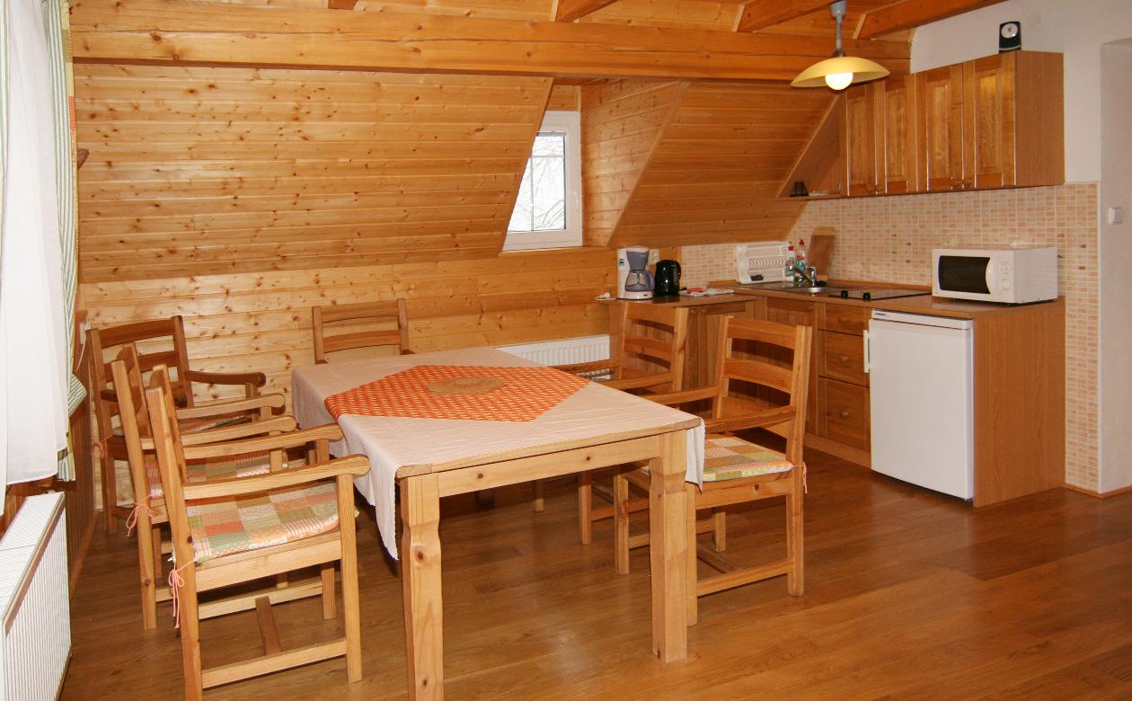 Apartmány Bedřichov chalupa 352 - ubytování Bedřichov Jizerské hory- Chalupa 352 v Bedřichově - pokoj č. 2